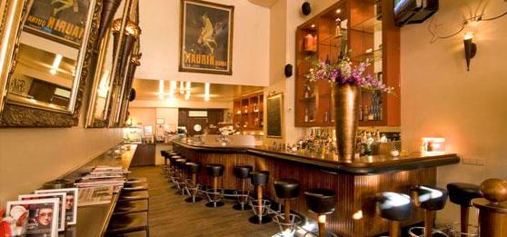 cafe felix regensburg cafes und bars. Black Bedroom Furniture Sets. Home Design Ideas