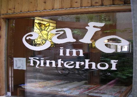 Cafe Im Hinterhof Munchen Cafes Und Bars