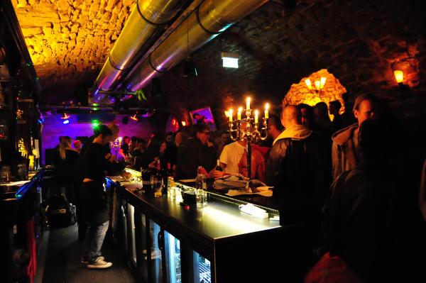 Single bar frankfurt am main