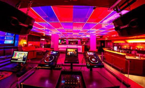 stilvoll club neuss clubs und discotheken. Black Bedroom Furniture Sets. Home Design Ideas